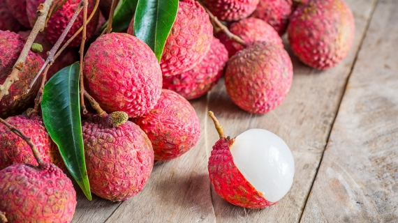 LYCHEE JUICE – THE TATSE OF TROPICAL FRUIT WITH THE ARRIVAL OF SUMMER